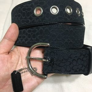 Coach signature belt